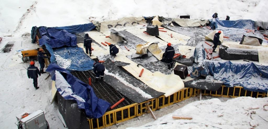 Новостройка в Москве Жилой Комплекс «Прайм Тайм». Ведутся работы по устройству бетонной подготовки с гидроизоляцией.