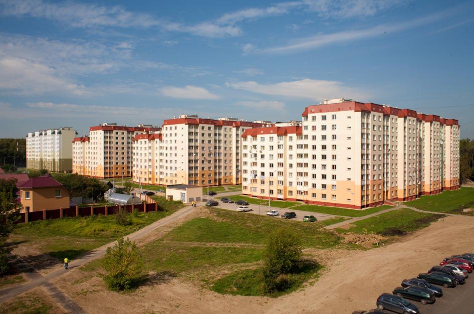 Новостройка ЖК «Ольховка-3» в п. Володарского, Подмосковье. Общий вид застройки.