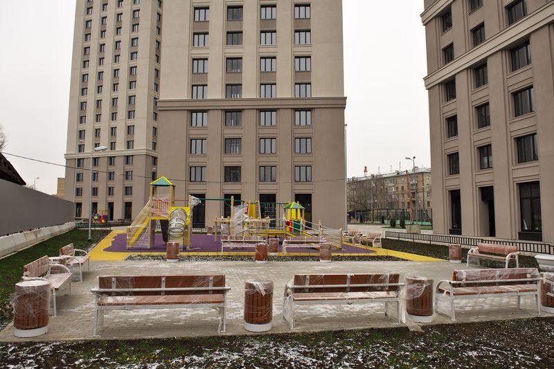 Новостройка ЖК «Родной город. Октябрьское поле» в Москве. Двор.